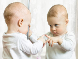Disse spejle er gode for babyens nakketræning