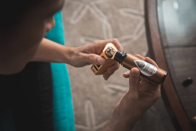 påfyldning e væske, e cigaret